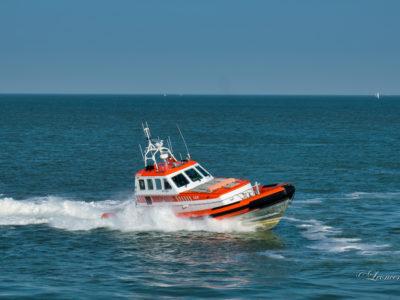 Motorboot met motorpech