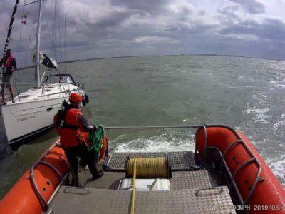 Nederlandse zeilboot met pech