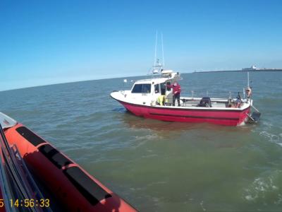 Motorboot met defecte keerkoppeling