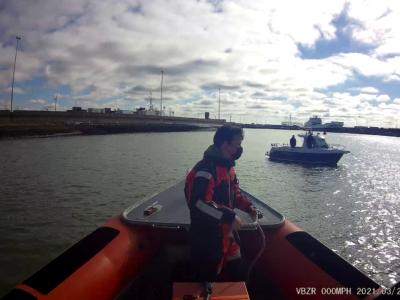 Vissersboot met defecte aandrijving