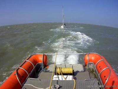 Zeilboot met diesel lek