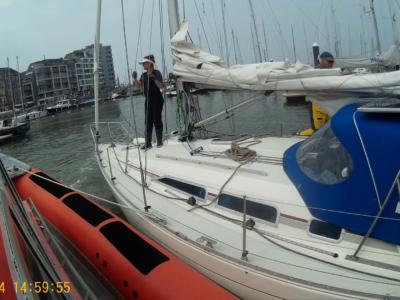 Zeilboot met motorpech voor Oostende